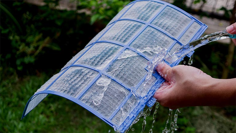 How to clean your air conditioning filter
